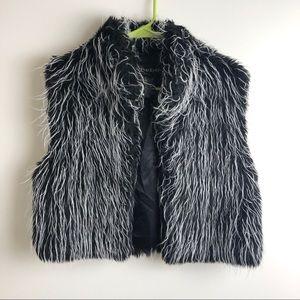 BEBE faux Fur fringe vest black white MEDIUM